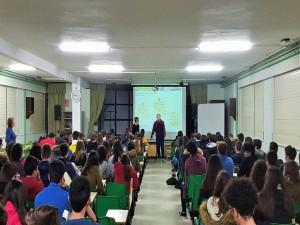 """Luis en su ponencia en una de las sesiones de la campaña """"DESCUBRE"""""""